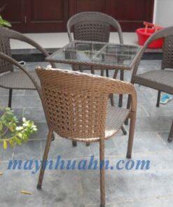 ban ghe cafe may nhua